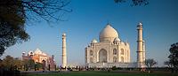 The Taj Mahal mausoleum southern view and Taj Mahal Mosque at dawn, Uttar Pradesh, India