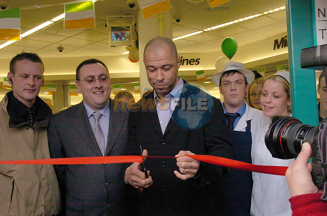 Retired Irish Soccer International Paul McGrath making his first public appearance to open the new Londis Supermarket in Drogheda, as Hundreds of fans waited to get his autograph..Photo Fran Caffrey Newsfile.ie..This Picture has been sent to you by Newsfile Ltd..The Studio,.Millmount Abbey,.Drogheda,.Co. Meath,.Ireland..Tel: +353(0)41-9871240.Fax: +353(0)41-9871260.ISDN: +353(0)41-9871010.www.newsfile.ie..general email: pictures@newsfile.ie