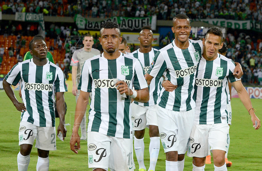 MEDELLÍN -COLOMBIA-03-10-2015. Jugadores de Atletico Nacional celebran la victoria sobre Jaguares FC en partido por la fecha 15 de la Liga Aguila II 2015 jugado en el estadio Atanasio Girardot de la ciudad de Medellín./ Atletico Nacional Players celebrate the victory over Jaguares FC inthe match for the  date 15 of the Aguila League II 2015 at Atanasio Girardot stadium in Medellin city. Photo: VizzorImage/León Monsalve/STR
