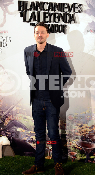 El Director Rupert Sanders asiste al photocall de la pelicula 'Blancanieves y la Leyenda del Cazador' en la Casa America de Madrid.             ---------------------------- Director Rupert Sanders attends the photocall of the movie 'Snow White and the Huntsman' at the Casa America in Madrid *NortePhoto*<br />