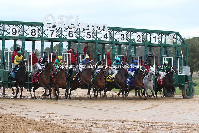 January 24, 2020: The opening of the gate before the running of the Smarty Jones Stakes at Oaklawn Racing Casino Resort in Hot Springs, Arkansas on January 24, 2020. Justin Manning/Eclipse Sportswire/CSM