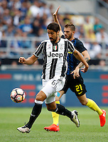 Calcio, Serie A: Inter vs Juventus. Milano, stadio San Siro, 18 settembre 2016.<br /> Juventus' Sami Khedira in action during the Italian Serie A football match between FC Inter and Juventus at Milan's San Siro stadium, 18 September 2016.<br /> UPDATE IMAGES PRESS/Isabella Bonotto