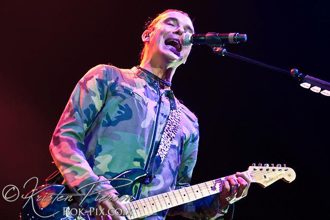 Bush perform at Mohegan Sun Arena May 3, 2013