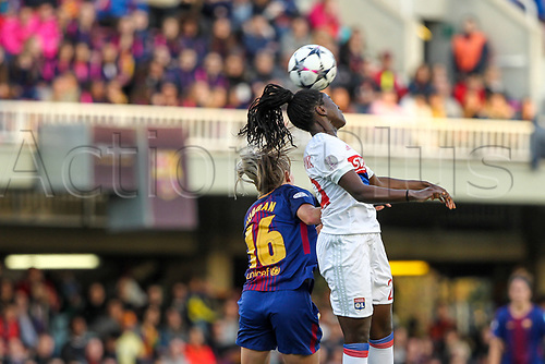28th March 2018, Mini Estad, Barcelona, Spain; Womens Champions League football, quarter final, 2nd leg, Barcelona Women versus Lyon Women; Toni Duggan of FC Barcelona and Griedge Mbock of Olimpique de Lyon challenge for a header