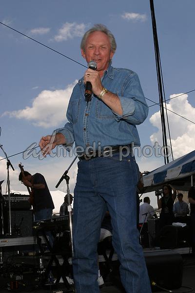 June 12th, 2004:  Nashville, TN, USA: CMA Music Festival Convention RiverFront Stages Day 3.  Mel Tillis Performs.  Mandatory Photo Credit:  Ferguson/Admedia (c) Kevin Ferguson/2004