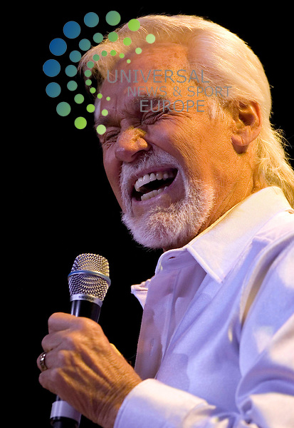 Kenny Rodges on stage at the SECC - Clyde Auditorium, in Glasgow..Kenny Rogers having recorded more than 65 albums which have sold over 100 million records worldwide Rogers is an American Icon who is in the same league as The Beatles, Elton John and Elvis Presley. Picture:Universal News And sport (Scotland). 12 June 2010.