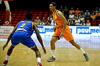 GRONINGEN - Basketbal, Nederland - Roemenie, WK kwalificatie 2019, Martiniplaza, 28-06-2018 Worthy de Jong met Watson