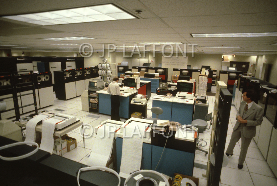 Detroit, U.S.A, December, 1980. Highly computerized researches in the laboratories of  the Ford Rouge Factory.