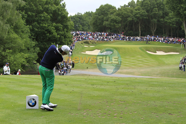 Matteo Manassero (ITA) tees off on the par3 2nd tee during the Final Day of the BMW PGA Championship Championship at, Wentworth Club, Surrey, England, 29th May 2011. (Photo Eoin Clarke/Golffile 2011)