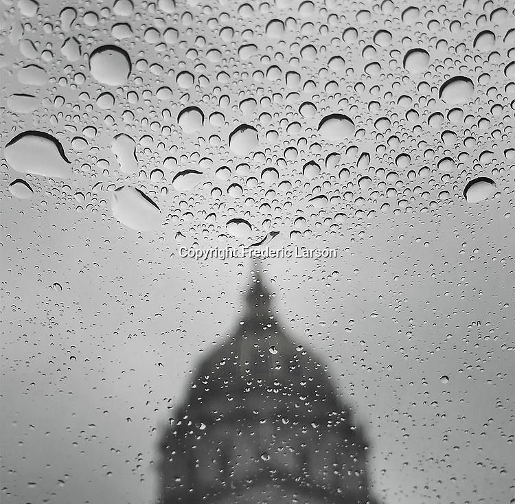 Rain over San Francisco City Hall