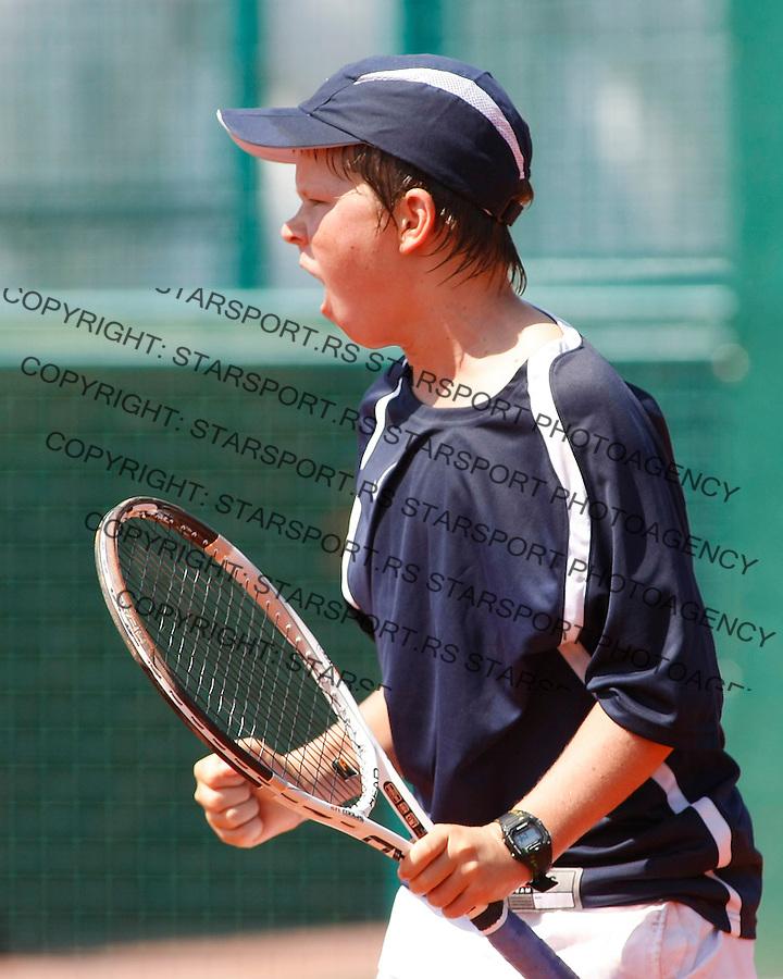Tenis, World Championship U-14.USA Vs. Korea, boys.Hyeon Chung Vs. Stefan Kozlov.Stefan Kozlov, returnes.Prostejov, 02.08.2010..foto: Srdjan Stevanovic/Starsportphoto ©