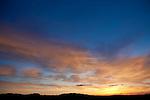 Europa, DEU, Deutschland, Rheinland-Pfalz, Oberrhein, Rheinhessen, Oppenheim, Sonnenuntergang, Himmel, Wolkenstimmung, Kategorien und Themen, Natur, Umwelt, Landschaft, Jahreszeiten, Wetter, Himmel, Wolken, Wolkenkunde, Wetterbeobachtung, Wetterelemente, Wetterlage, Wetterkunde, Witterung, Witterungsbedingungen, Wettererscheinungen, Meteorologie, Bauernregeln, Wettervorhersage, Wolkenfotografie, Wetterphaenomene, Wolkenklassifikation, Wolkenbilder, Wolkenfoto<br /> <br /> [Fuer die Nutzung gelten die jeweils gueltigen Allgemeinen Liefer-und Geschaeftsbedingungen. Nutzung nur gegen Verwendungsmeldung und Nachweis. Download der AGB unter http://www.image-box.com oder werden auf Anfrage zugesendet. Freigabe ist vorher erforderlich. Jede Nutzung des Fotos ist honorarpflichtig gemaess derzeit gueltiger MFM Liste - Kontakt, Uwe Schmid-Fotografie, Duisburg, Tel. (+49).2065.677997, archiv@image-box.com, www.image-box.com]