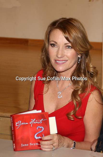 Award-winning actress. author and artist Jane Seymour gives a talk and signs her new book Open Hearts (debut) which is a compilation of poems, essays and quotes paired with illustrations by the actress on February 4, 2009 at the Ridgewood Public Library with BookEnds in Ridgewood, New Jersey. (Photo by Sue Coflin/Max Photos)