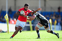 Billy Vunipola of Saracens takes on the Exeter Chiefs defence. Aviva Premiership match, between Exeter Chiefs and Saracens on September 11, 2016 at Sandy Park in Exeter, England. Photo by: Patrick Khachfe / JMP