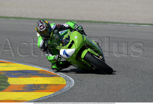 FABIEN FORET (FRA), Kawasaki, during qualifying practice, Supersport World Championship Race, Ricardo Tormo Circuit, Valencia, 030228. Photo:Neil Tingle/Action Plus ...2003  .man men superbikes motorcycle motorcycles bike bikes.     . ...  ..