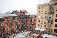 Roma 3 Febbraio 2012.Nevicata a Roma, il quartiere di  San Lorenzo