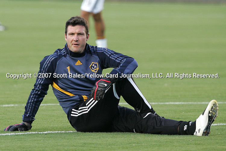 23 August 2007: Los Angeles Goalkeeper Joe Cannon, pregame. Club Deportivo Chivas defeated the Los Angeles Galaxy 3-0 in a Major League Soccer regular season match at the Home Depot Center in Carson, CA.