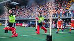Den Bosch  -  keepers Pirmin Blaak (Ned) en keeper Sam van der Ven (Ned)     betreden  het veld voor   de Pro League hockeywedstrijd heren, Nederland-Belgie (4-3).    COPYRIGHT KOEN SUYK