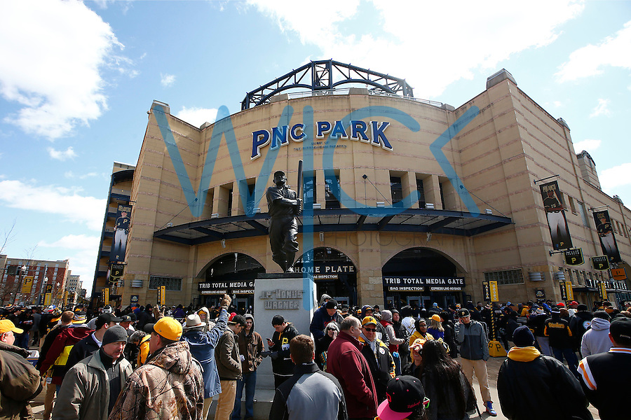 Fans enter PNC Park through the home plate entrance prior to the Opening Day game between the Pittsburgh Pirates and the St. Louis Cardinals in Pittsburgh, Pennsylvania on April 3, 2016. (Photo by Jared Wickerham / DKPS)