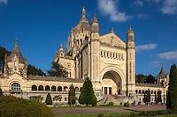 France, Calvados (14), Pays d'Auge, Lisieux : La basilique Sainte-Thérèse de Lisieux // France, Calvados, Pays d'Auge, Lisieux: Basilica of Sainte-Thérèse de Lisieux