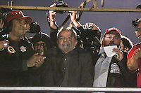 SÃO PAULO,SP, 10.06.2016 - PROTESTO-SP - O ex presidente Luiz Inacio Lula da Silva durante ato ligados à diversos movimentos sociais, culturais e centrais sindicais participam do ato 'Fora Temer, Não ao Golpe, Nenhum Direito a Menos!', na Avenida Paulista, centro de São Paulo, nesta sexta-feira. O protesto faz parte da mobilização nacional contra o presidente em exercício, Michel Temer (PMDB). (Foto: Vanessa Carvalho/Brazil Photo Press)