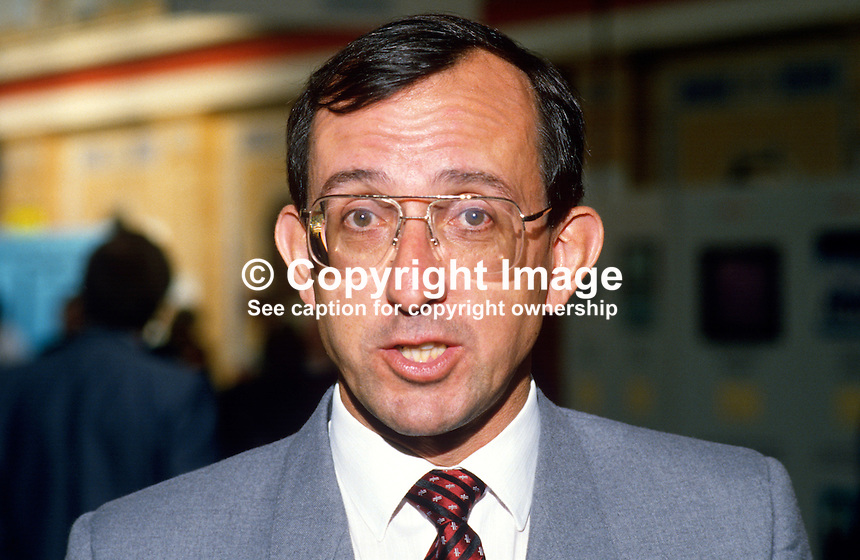 Robert Hayward, MP, Conservative Party, UK, 19871014RW..Copyright Image from Victor Patterson, 54 Dorchester Park, Belfast, UK, BT9 6RJ..Tel: +44 28 9066 1296.Mob: +44 7802 353836.Voicemail +44 20 8816 7153.Skype: victorpattersonbelfast.Email: victorpatterson@me.com.Email: victorpatterson@ireland.com (back-up)..IMPORTANT: If you wish to use this image or any other of my images please go to www.victorpatterson.com and click on the Terms & Conditions. Then contact me by email or phone with the reference number(s) of the image(s) concerned.