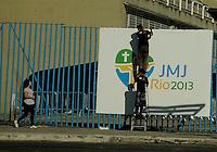RIO DE JANEIRO - RJ, 12 julho 2013 - Movimentacao para montagens do balao da jornada mundial da juventude na sapucai no bairro cidade nova area central da cidade Foto: Fabio Teixeira / Brazil Photo press