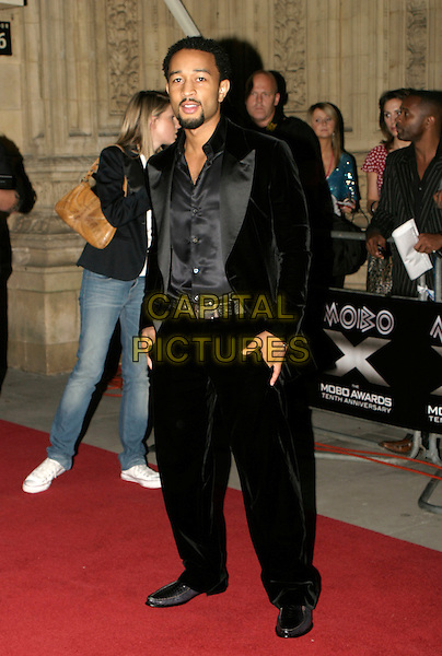 JOHN LEGEND.MOBO Awards 2005. Royal Albert Hall, SW7, London..September 22nd, 2005.full length black suit.www.capitalpictures.com.sales@capitalpictures.com.© Capital Pictures.