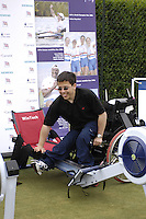 Queens Club, GREAT BRITAIN,  Jon SMITH, get's a few pointers on the Ergo from 2006 World Gold medallist Shaun SEWELL, before the  press Conference to announce the joint initiative between British Paralympic Association and Deloitte  of 'Parasport' online information service, on Thur's.  03.05.2007. London. [Credit: Peter Spurrier/Intersport Images]