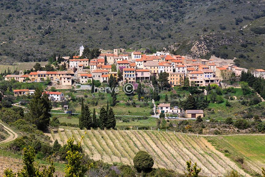 France, Aude (11), Cucugnan, le village // France, Aude, Cucugnan, the village
