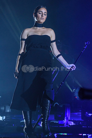 AUBURN HILLS, MI - NOVEMBER 7: Banks performs at The Palace Of Auburn Hills on November 7, 2014 in Auburn Hills, Michigan. Photo Credit: Chris Schwegler / Retna Ltd. /MediaPunch