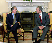 United States President George W. Bush meets with President Andres Pastransa of Columbia in the Oval Office of the White House in Washington, DC on February 27, 2001.<br /> Credit: Dennis Brack / Pool via CNP