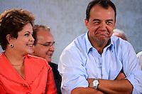 RIO DE JANEIRO, RJ, 14 DE JUNHO DE 2013 -PRESIDENTA DILMA NA ROCINHA-RJ- Presidenta Dilma Rousseff e o Governador Sérgio Cabral na cerimônia de anúncio de investimentos em infraestrutura urbana e equipamentos sociais nas comunidades da Rocinha e nos complexos do Lins e do Jacarezinho, no Complexo Esportivo da Rocinha , zona sul do Rio de Janeiro/RJ do Rio de Janeiro.FOTO:MARCELO FONSECA/BRAZIL PHOTO PRESS