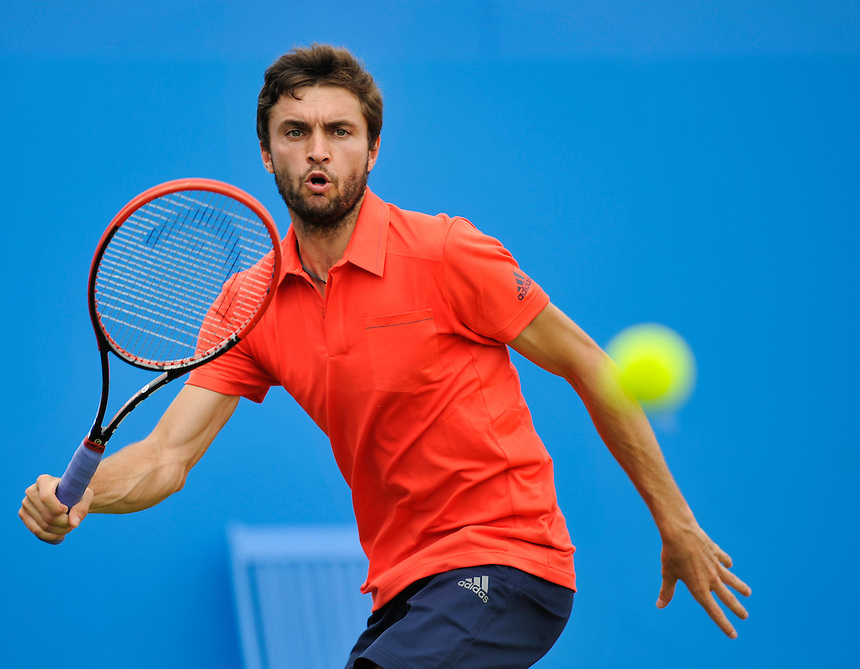 Gilles Simon (FRA) in action today during his match against Thanasi Kokkinakis (AUS) in their Men&rsquo;s Singles Second Round match<br /> <br /> <br /> Photographer Ashley Western/CameraSport<br /> <br /> Tennis - ATP 500 World Tour - AEGON Championships- Day 3 - Wednesday 17th June 2015 - Queen's Club - London <br /> <br /> &copy; CameraSport - 43 Linden Ave. Countesthorpe. Leicester. England. LE8 5PG - Tel: +44 (0) 116 277 4147 - admin@camerasport.com - www.camerasport.com