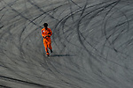 Marshal cross through the track during the 2015 Pan Delta Super Racing Festival at Zhuhai International Circuit on September 20, 2015 in Zhuhai, China.  Photo by Aitor Alcalde/Power Sport Images