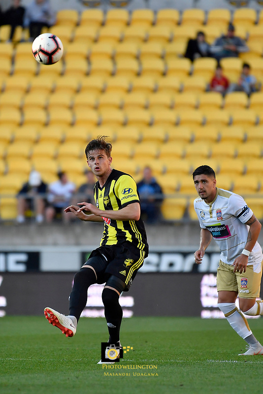 Wellington Phoenix' Goran Paracki in action during the A League - Wellington Phoenix v Newcastle Jets at Westpac Stadium, Wellington, New Zealand on Sunday 21 October  2018. <br /> Photo by Masanori Udagawa. <br /> www.photowellington.photoshelter.com