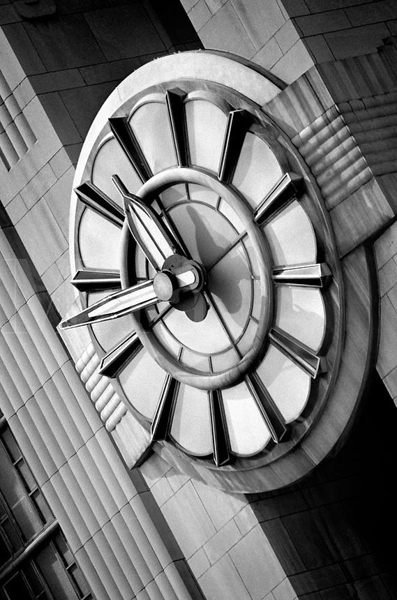 Black & white Art Deco clock. Cincinnati Ohio United States Cincinnati Union Terminal.