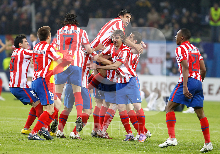 Atletico de Madrid's players celebrate during UEFA Europa League final match, May 12, 2010. (ALTERPHOTOS/Alvaro Hernandez).