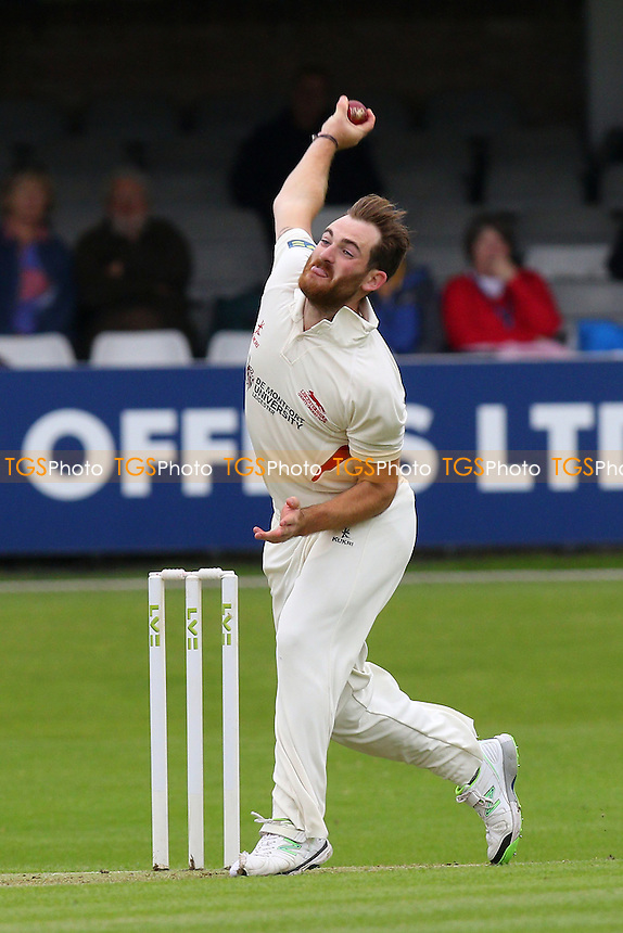 Ben Raine of Leicestershire in bowling action - Essex CCC vs Leicestershire CCC - LV County Championship Division Two Cricket at the Essex County Ground, Chelmsford, Essex - 31/05/15 - MANDATORY CREDIT: Gavin Ellis/TGSPHOTO - Self billing applies where appropriate - contact@tgsphoto.co.uk - NO UNPAID USE