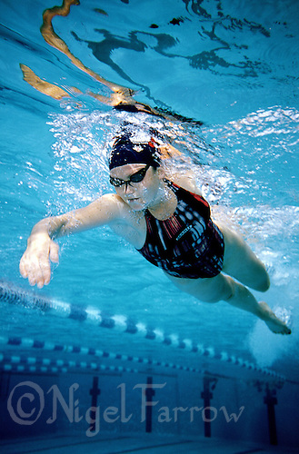 28 OCT 2003 - PAPHOS, CYPRUS - Jodie Swallow training at the British Triathlon Elite Squad Training Camp. (PHOTO (C) NIGEL FARROW)