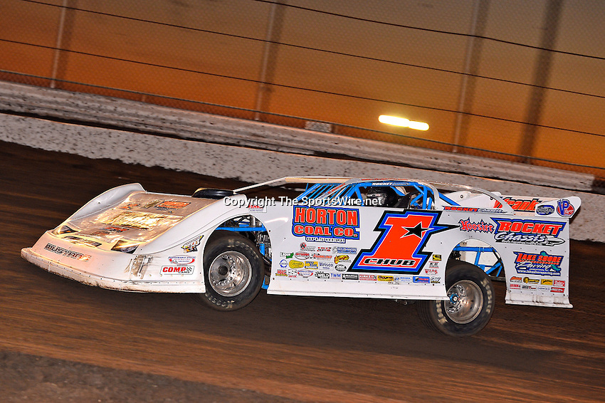 Feb 17, 2014; 6:37:47 PM;  Barberville, FL, USA;  World of Outlaws Late Model Series for 43rd Annual DIRTcar Nationals presented by Summit Racing Equipment at Volusia Speedway Park.  Mandatory Credit: (thesportswire.net)