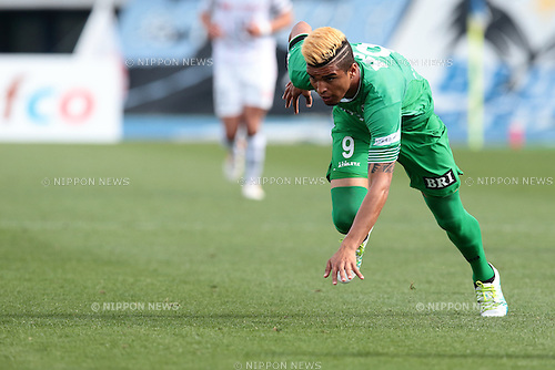 Alan Pinheiro (Verdy), <br /> APRIL 23, 2016- Football /Soccer : <br /> 2016 J2 League match <br /> between Tokyo Verdy 0-3 Mito Hollyhock <br /> at Komazawa Olympic Park Stadium in Tokyo, Japan. <br /> (Photo by AFLO SPORT)