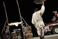 """SAO JOSE DO RIO PRETO, SP, 05 JULHO 2012 - 12 EDICA FIT - O grupo galpão de Minas Gerais, apresenta o espetáculo """"Romeu e Julieta"""", durante a abertura  da 12ª edição do FIT – Festival Internacional de Teatro na noite de ontem, quarta-feira, 04. (FOTO: MARCOS MADI / BRAZIL PHOTO PRESS)."""
