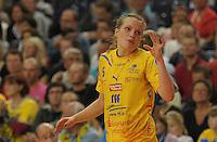 Handball, Frauen, 1. Bundesliga. HC Leipzig gg Bayer Leverkusen. im Bild: Der Pass war super zeigt Louise Lyksborg an.  Foto: Alexander Bley