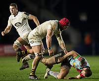 Wasps' James Haskell hits Harlequins' Jamie Roberts resulting in his sending off<br /> <br /> Photographer Bob Bradford/CameraSport<br /> <br /> European Rugby Challenge Cup - Harlequins v Wasps - Sunday 13th January 2018 - Twickenham Stoop - London<br /> <br /> World Copyright &copy; 2018 CameraSport. All rights reserved. 43 Linden Ave. Countesthorpe. Leicester. England. LE8 5PG - Tel: +44 (0) 116 277 4147 - admin@camerasport.com - www.camerasport.com