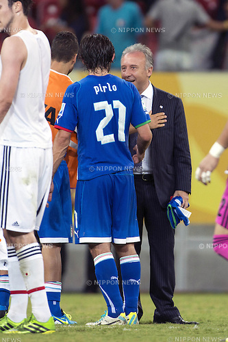 Andrea Pirlo (ITA),   Alberto Zaccheroni (JPN), JUNE 19, 2013 - Football / Soccer : Japan head coach Alberto Zaccheroni talks with Andrea Pirlo of Italy after the FIFA Confederations Cup Brazil 2013 Group A match between Italy 4-3 Japan at Arena Pernambuco in Recife, Brazil. (Photo by Maurizio Borsari/AFLO)