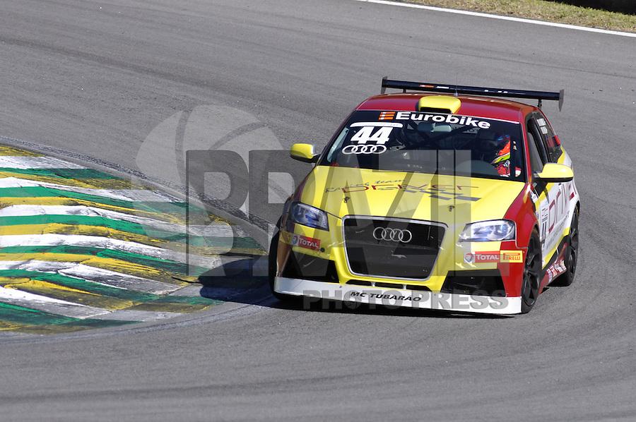 SÃO PAULO, SP, 21 DE JULHO DE 2012 - 4ª ETAPA AUDI DTCC:  Samuel Neto durante quarta etapa da Audi DTCC (Driver Touring Car Cup) 2012, em prova realizada neste sábado (21), no Autódromo de Interlagos em São Paulo. FOTO: LEVI BIANCO - BRAZIL PHOTO PRESS