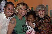 SÃO PAULO, SP, 16.11.2016 -  RITA LEE - Astrid Fontenelle prestigia a cantora Rita Lee durante o lançamento de sua autobiografia, na Livraria Cultura do Conjunto Nacional, na Avenida Paulista, em São Paulo, nesta quarta-feira, 16.(Foto: Ciça Neder / Brazil Photo Press)