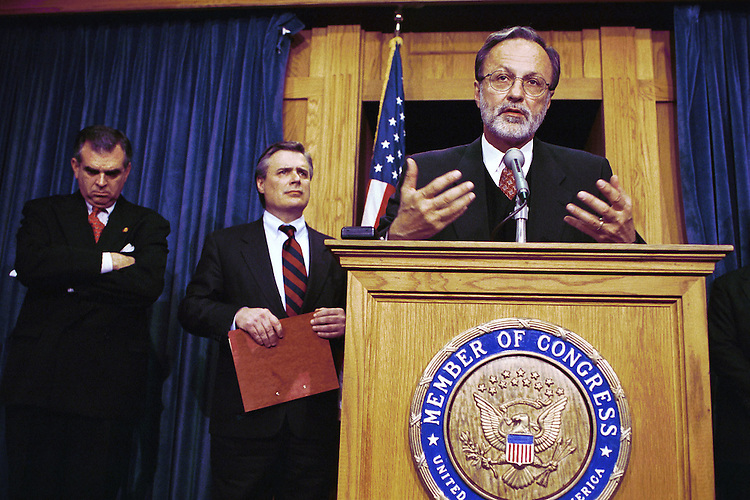 3/24/99.HERSHEY RETREAT--Ray LaHood, R-Ill., left, Tom Sawyer, D-Ohio, and House Minority Whip David Bonior, D-Mich, at podium, during a news conference on the bipartisan retreat last weekend in Hershey, Pa..CONGRESSIONAL QUARTERLY PHOTO BY SCOTT J. FERRELL