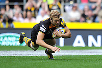 Joe Launchbury scores a try for London Wasps. Aviva Premiership Double Header match, between London Wasps and Harlequins on September 7, 2013 at Twickenham Stadium in London, England. Photo by: Patrick Khachfe / Onside Images
